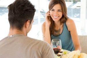 Ægte kærlighed venter courting dating og hænge ud
